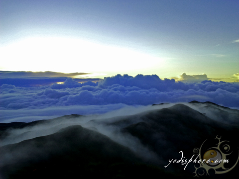 Photo of sea of clouds phenomenon at Mt. Pulag peak