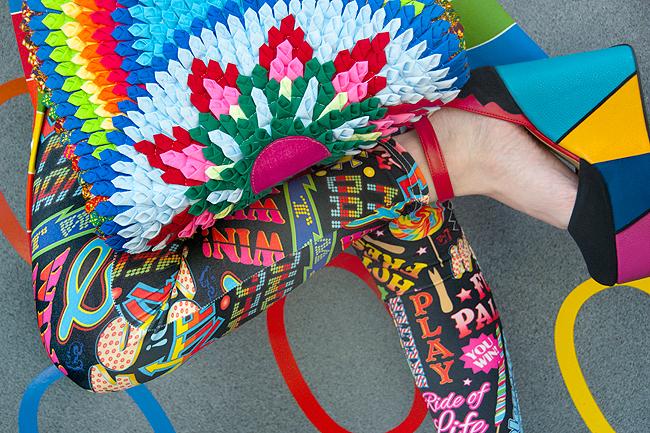 mandala bag, rainbow look, circus fashion