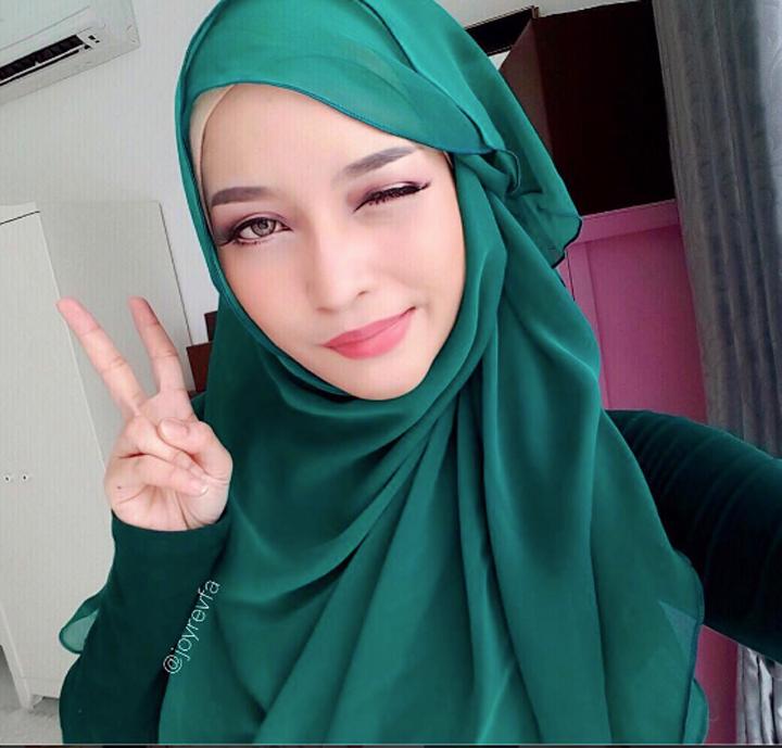 Gambar Cantik Menggoda Joyrevfa atau Siti Arifah Amin