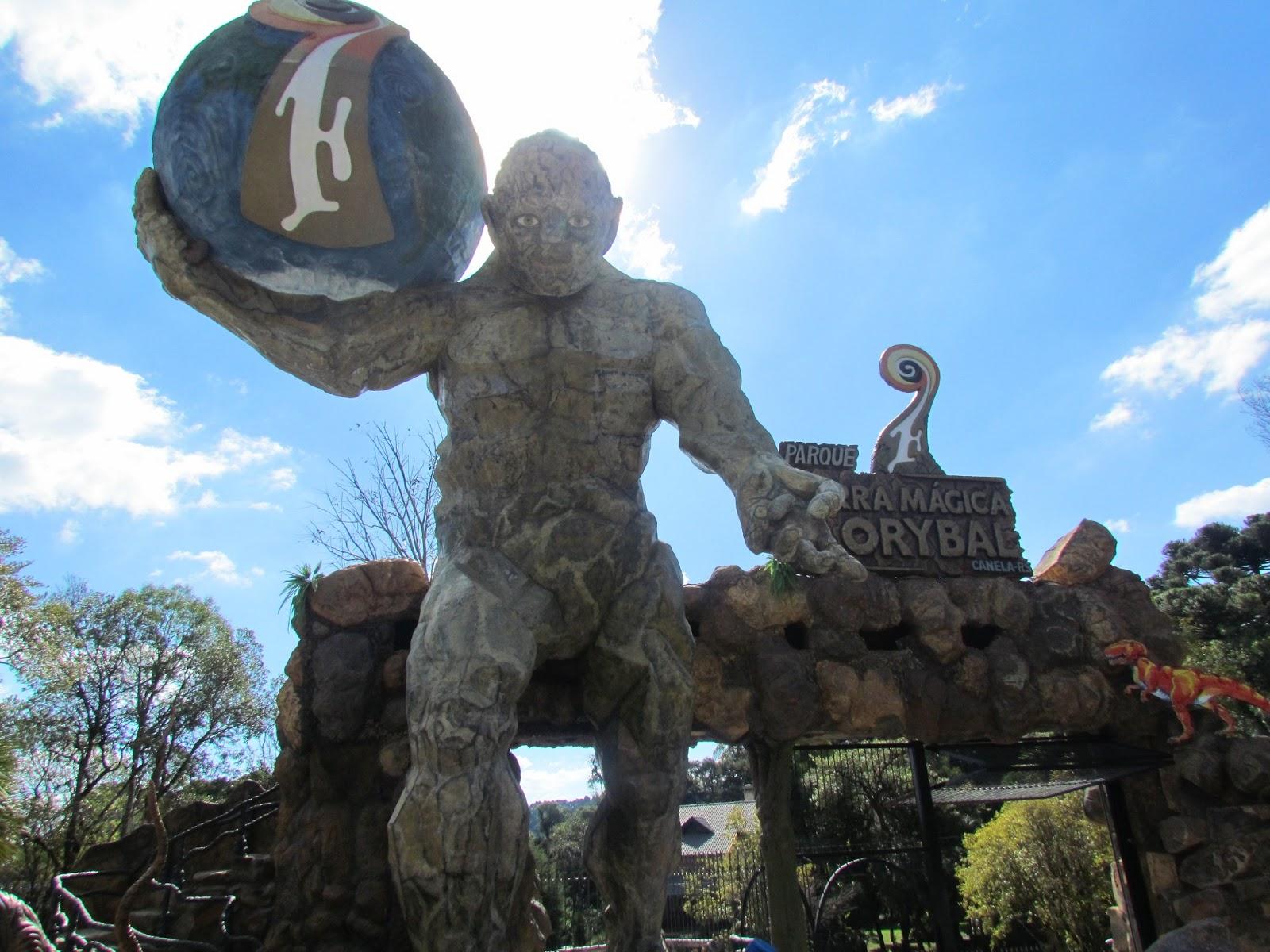 Estátua do Semeador no Parque Florybal em Canela