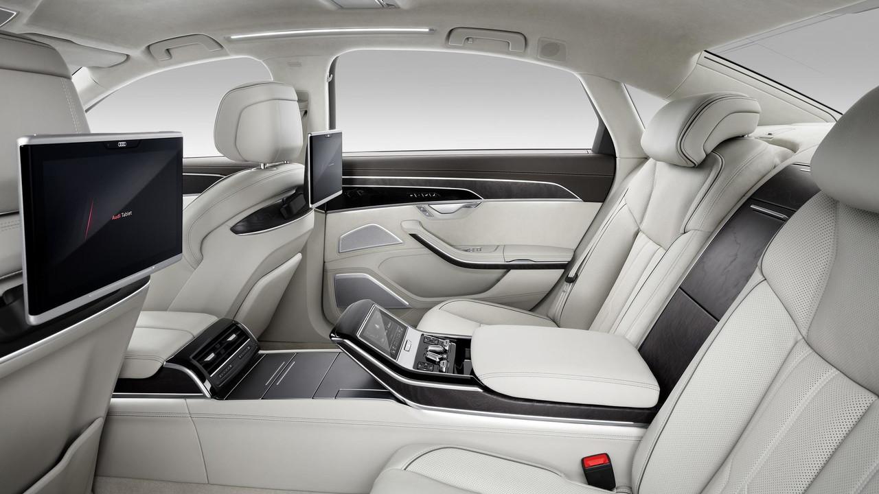 Audi A8L đời mới 4 chỗ