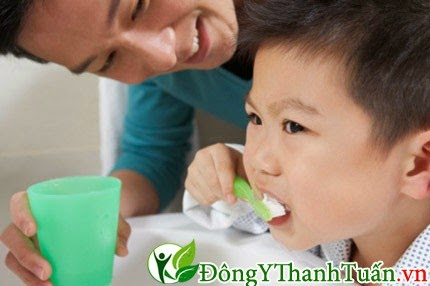 bí quyết dạy trẻ đánh răng đúng cách