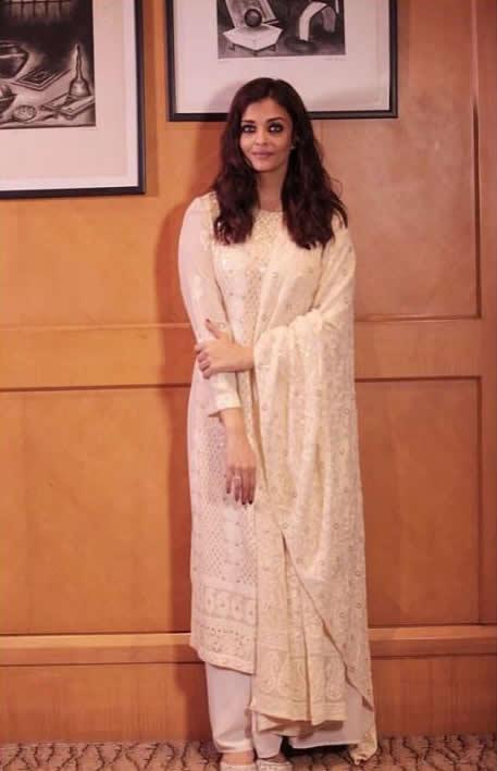 Aishwarya+Rai+Bachchan%E2%80%99s+traditional+avatar%21.jpg