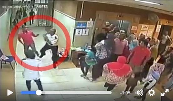(Video) Pak Guard Bertumbuk Dengan Orang Awam Dalam Hospital Terengganu