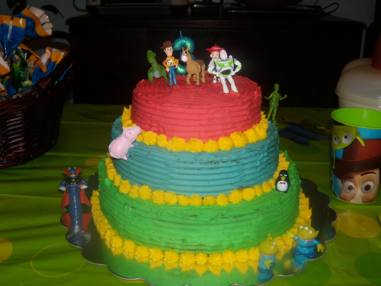 Simple Toy Story Cake Ideas And Designs
