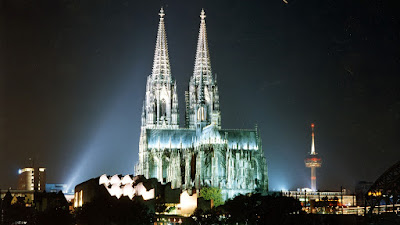 La Catedral de Colonia de noche