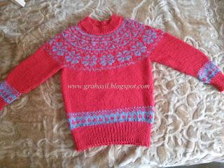Sweterek i ponczo dla Saruni