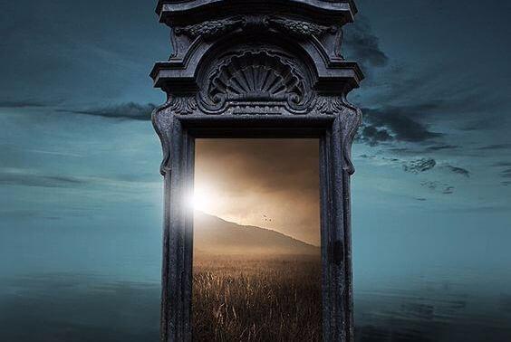 Atr vete a ser feliz a veces cuando una puerta se cierra for Puerta que se cierra sola