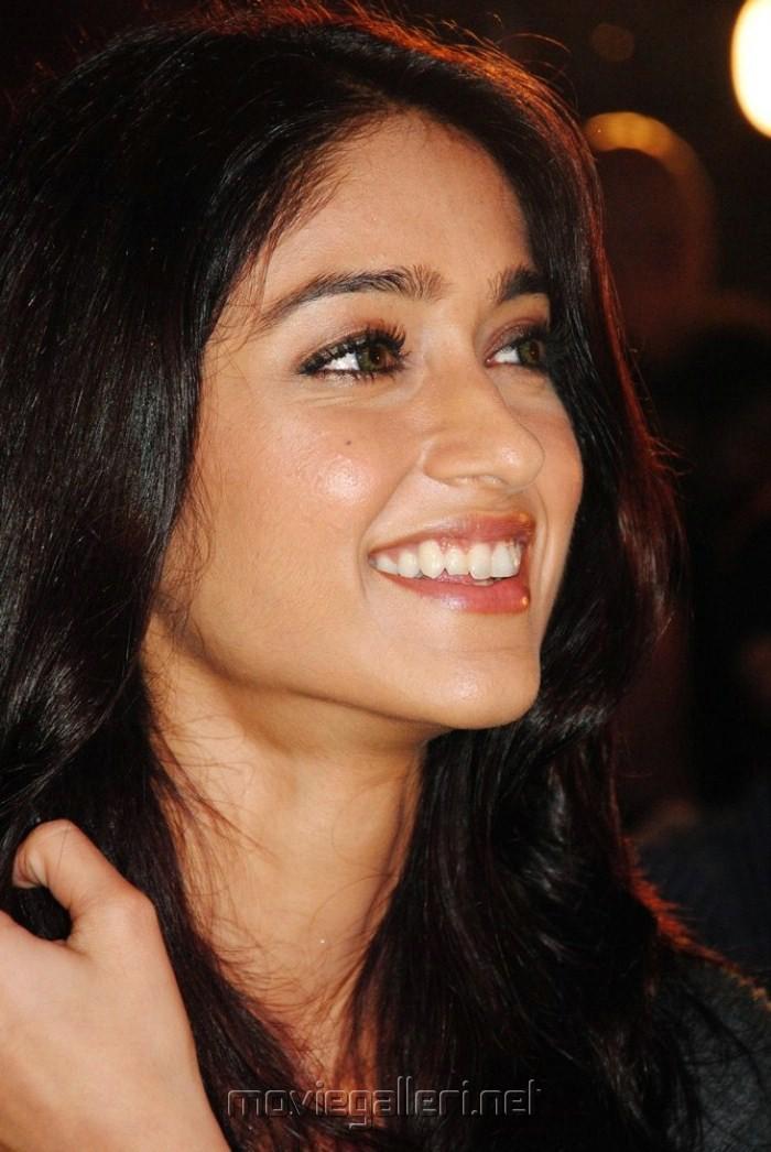 Ileana D Cruz Hd Wallpaper Ileana Latest Wall Papers Indian Mirchi Actress Pictures