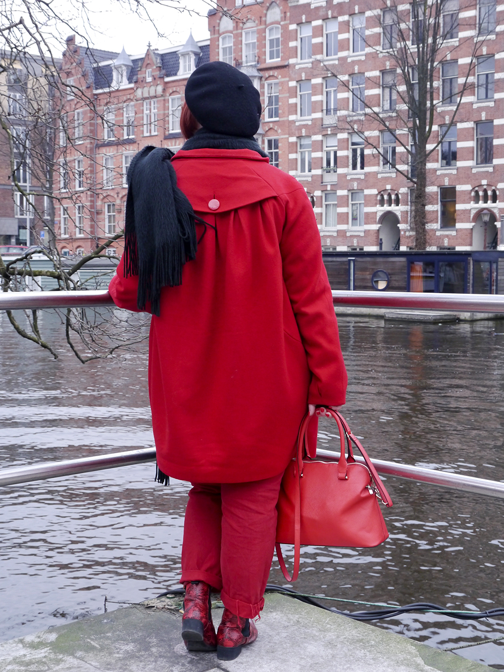 Bright and bold red outfit for a day in Amsterdam