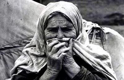 δεν πρόκειται  να μας βοηθήσεις  για τα 100 χρόνια  της επετείου  της γενοκτονίας  των Ελλήνων