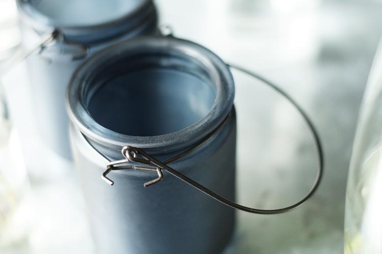 Blog + Fotografie by it's me! - Metallbügel eines Teelichtglases