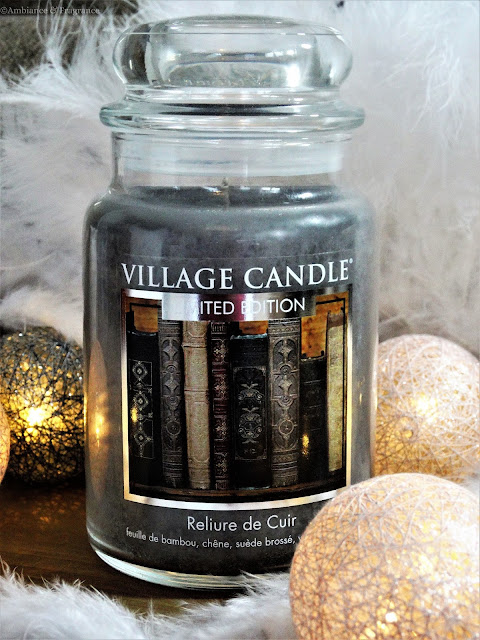 Avis Leather Bound (Reliure de Cuir) de Village Candle - blog bougie - blog parfum