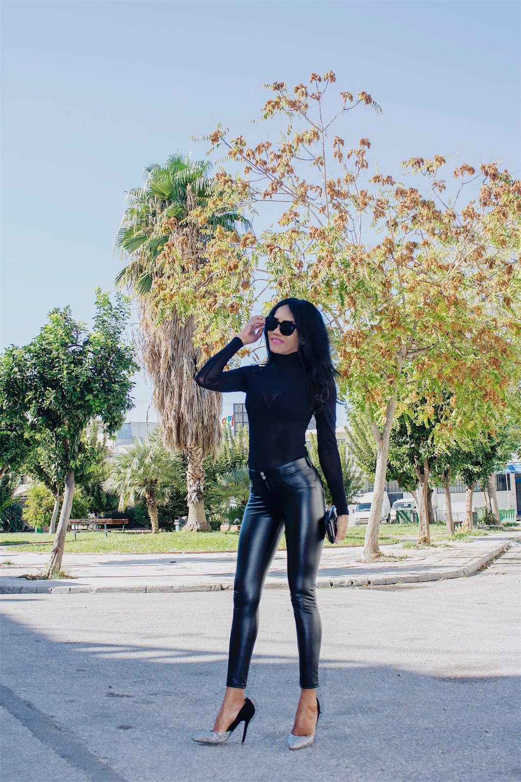 35d96c0661c It curves and shapes to your body and stretches accordingly. I simply adore  this pants. I feel comfortable wearing this leather pants because I can  move ...