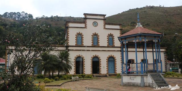 Estação do Trem da Vale, em Ouro Preto, na Praça Barão do Rio Branco.