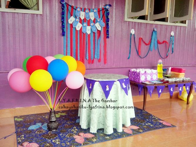 Lya Afrina D I Y Simple Budget Birthday Backdrop Source Http Catchmyparty Cadangan Untuk Hiasan Meja Harijadi