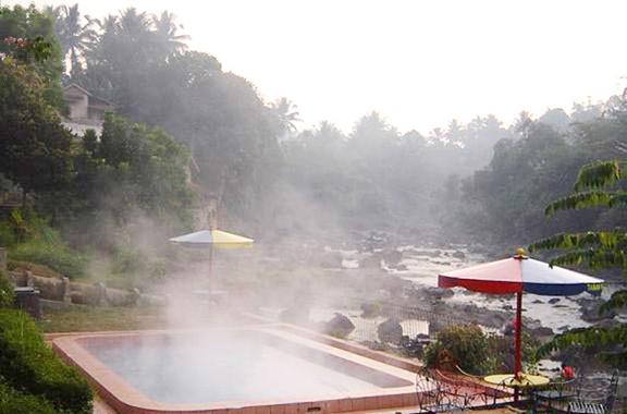 foto pemandian air panas cikundul