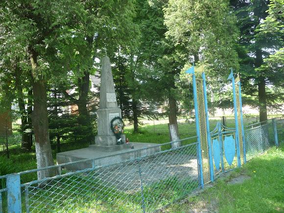 Тисов. Воинский мемориал
