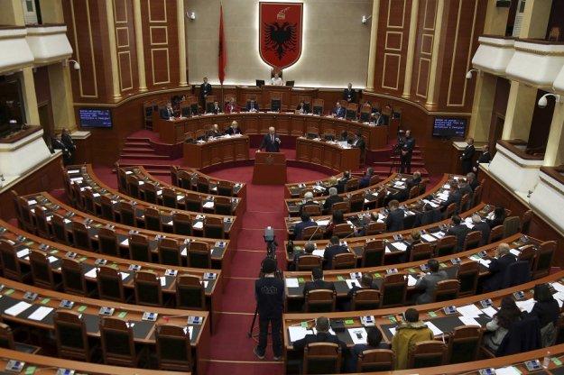 Η Αλβανία επικύρωσε το πρωτόκολλο ένταξης των Σκοπίων στο ΝΑΤΟ