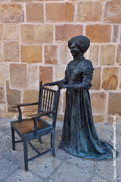 Esposa de A. Machado en bronce