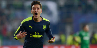 Manchester United Siap Boyong Mesut Ozil dari Arsenal