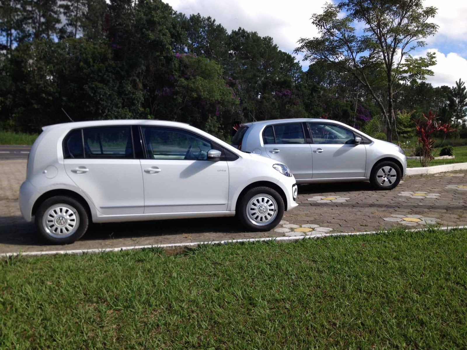 Volkswagen up! I-Motion Automatizado x  manual