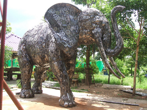 1a-Large-Animal-Sculpture-Elephant-01-Giganten-Aus-Stahl