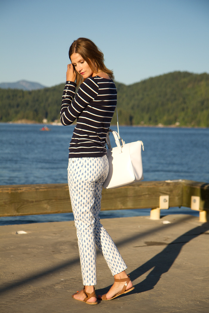 Vancouver Fashion Blogger, Alison Hutchinson, is wearing a striped H&M top, printed J.Crew pants, nude Zara sandals and a white Zara bag