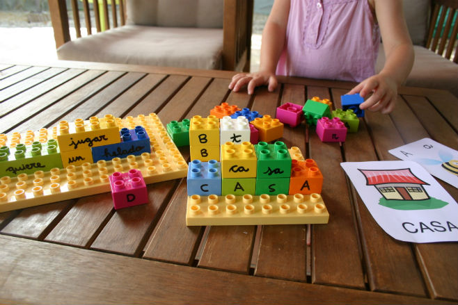 ideas ayudar cerebro a aprender a leer, neurociencia y lectura, lectoescritura con lego duplo