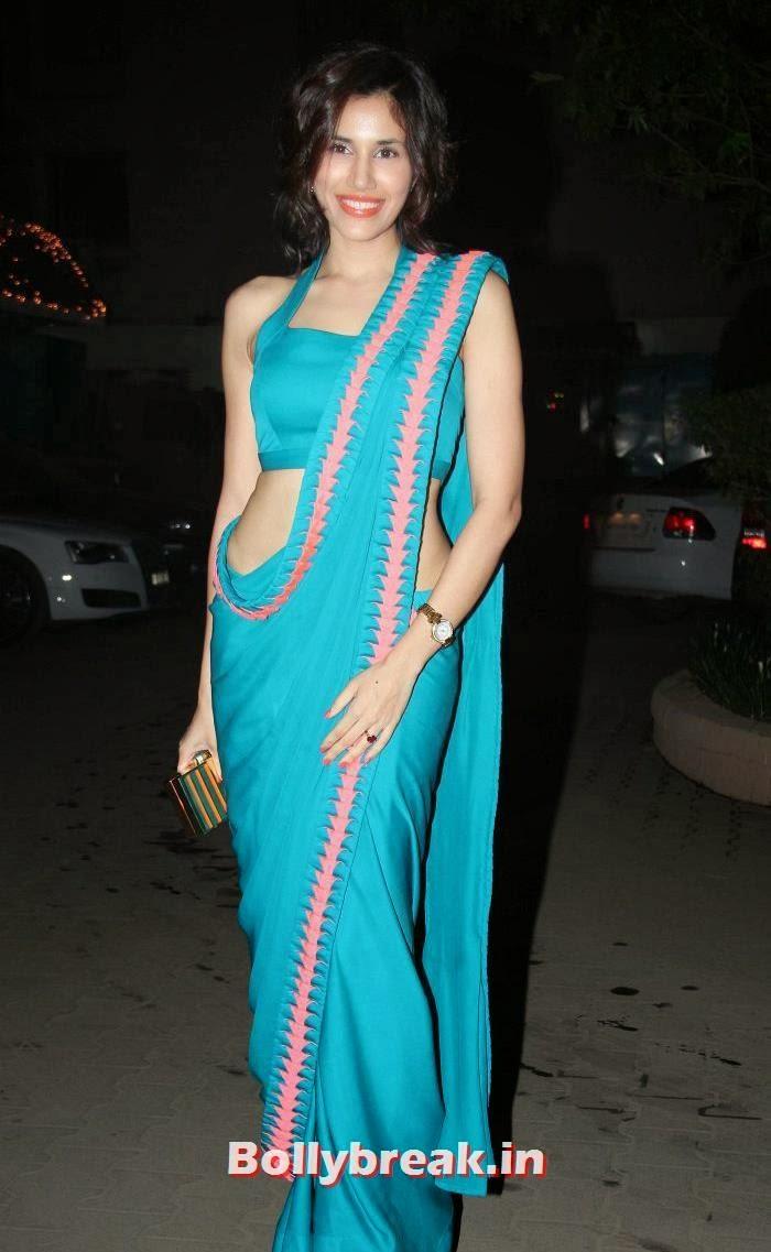 Sonalli Sehgall, Who Looked the Hottest at Raghav Sachar - Amita Pathak Wedding?