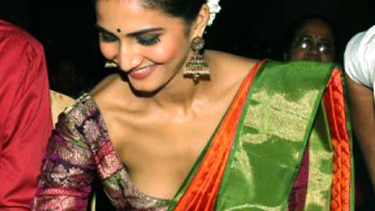 OOPS Vaani Kapoor nude (18 photo)
