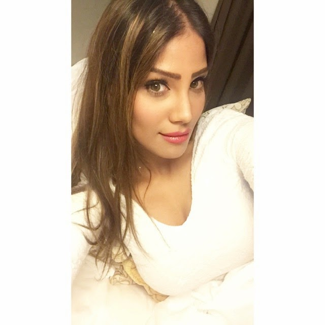 in ah em daba d , for ccl , mumbai heroes , nicole faria , beautiful , nofilter ,, Nicole Faria Hot face close up selfie images