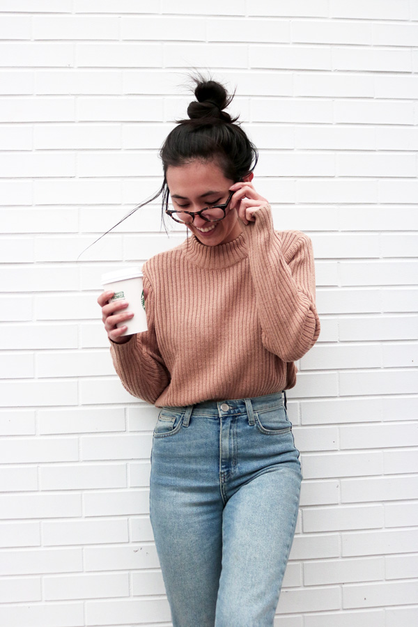 Brown sweater, high waist jeans, glasses, blogger, casual, outfit