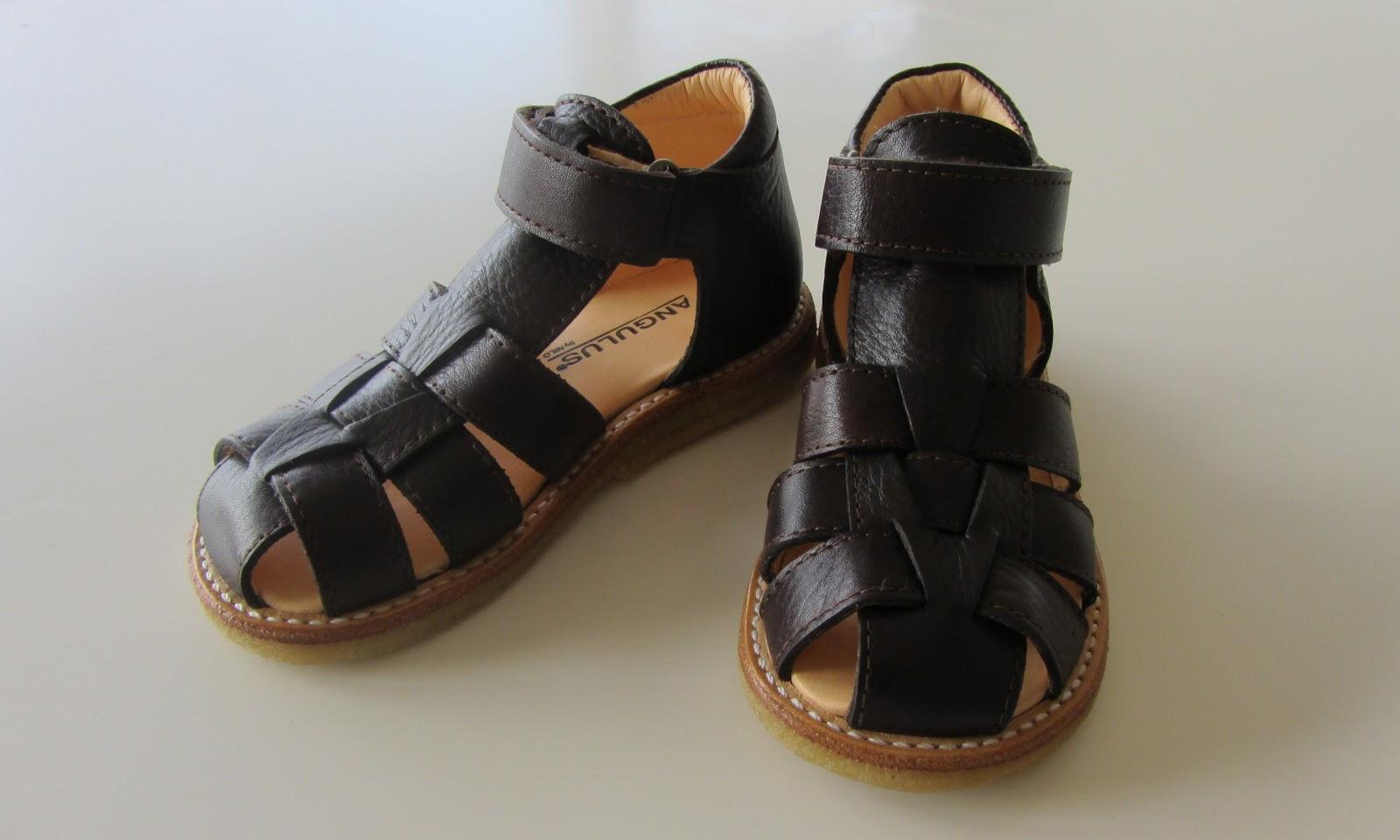 469af21028e3 Så er der købt sandaler til begge børn - jeg ved godt at det virker meget  tidligt