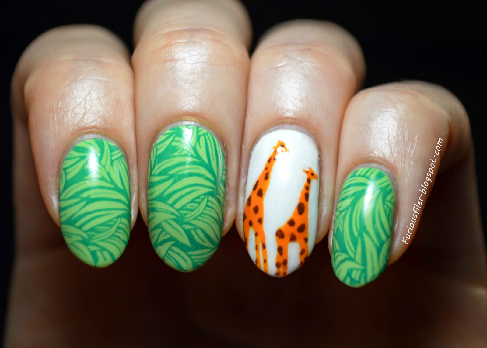 giraffe animal grass MoYou nail art
