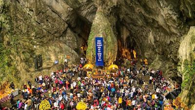 Trảy hội chùa Hương