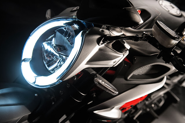 MV Agusta Brutale Front Look