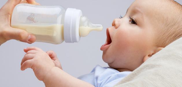 أفضل طريقة لإرضاع الطفل صناعياً