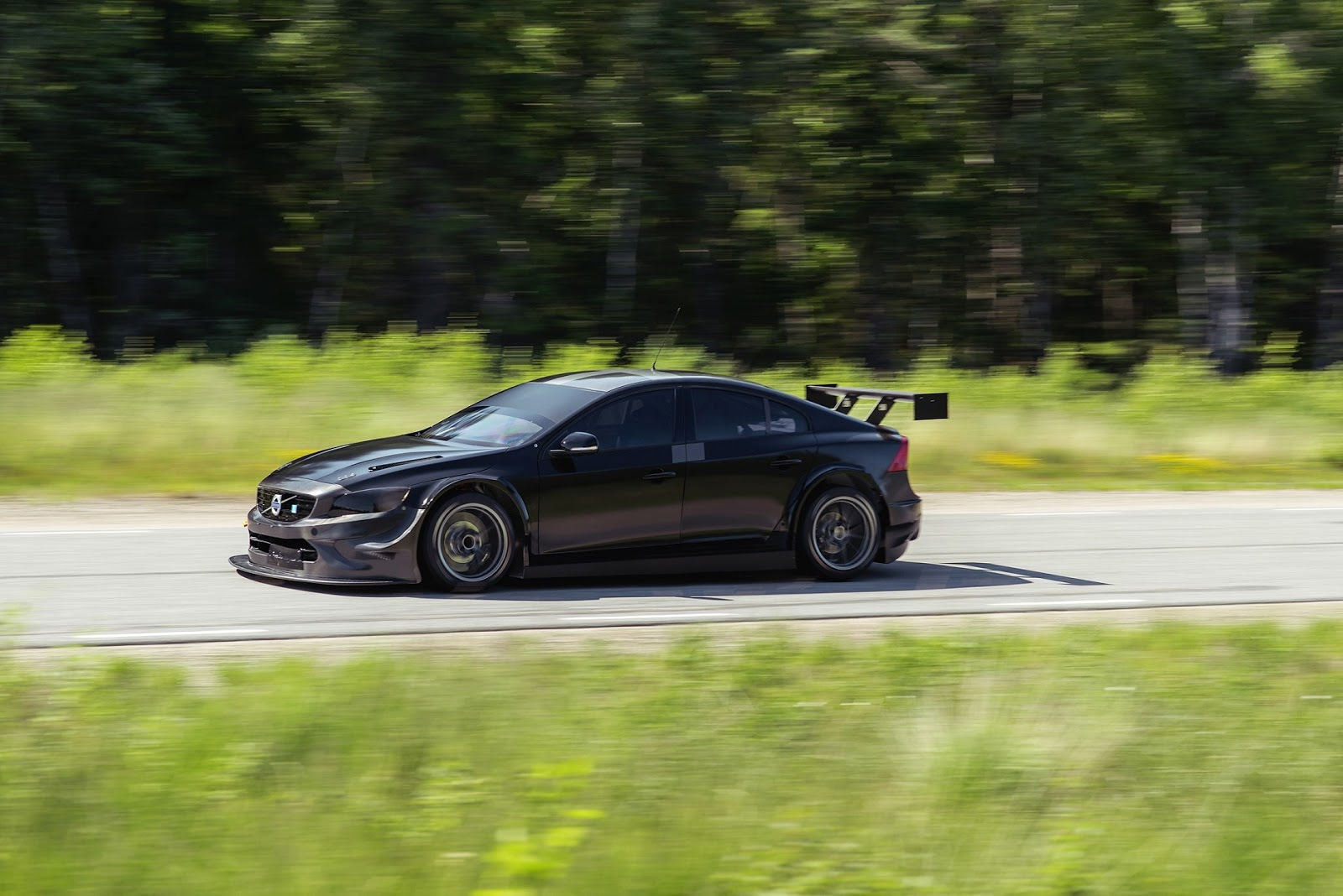 VOLVO POLESTAR%2BCYAN%2BRACING%2BIN%2BWTCC%2BWITH%2BS60%2BPOLESTAR 7 Η Volvo στο WTCC με το S60 Polestar για να γιορτάσει το ένδοξο παρελθόν του Volvo 240 Turbo