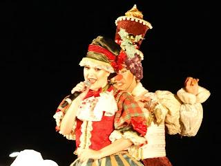 A Boneca Cantora (Taíne Dufau), Simplesmente Natal, Canela