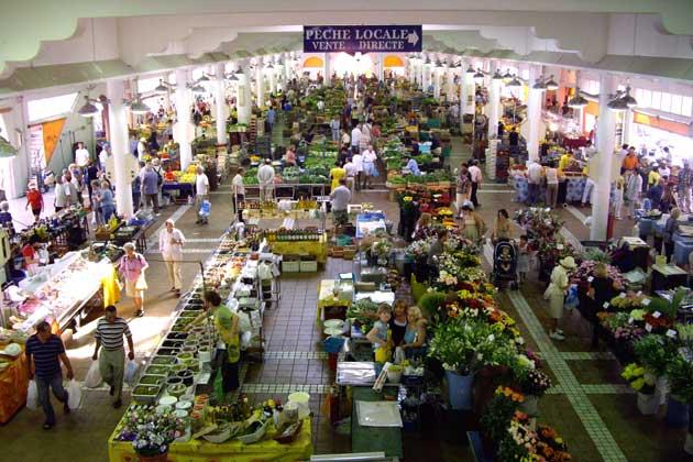 Mercado Marche Forville em Cannesa