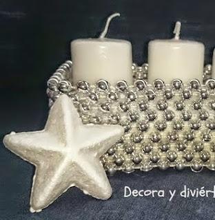 http://www.decoraydiviertete.net/2014/11/como-hacer-un-portavelas-de-una-manera.html