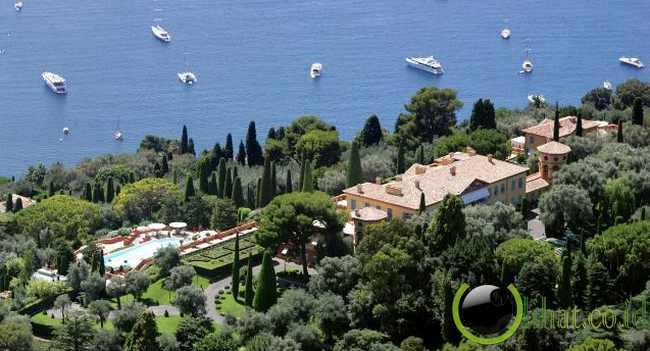 Orang Kaya Rusia Membeli Rumah Vila di Riviera