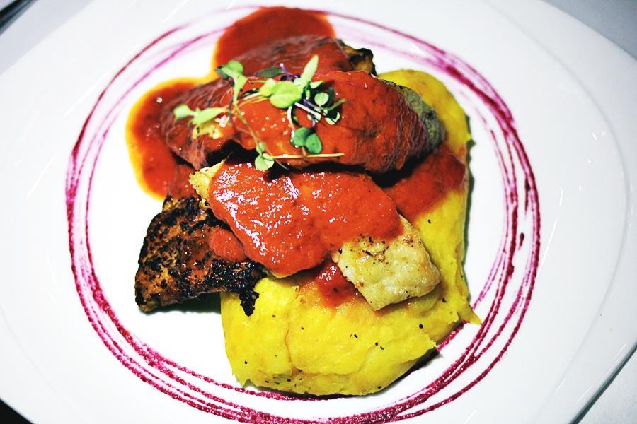 fish food tomato sauce