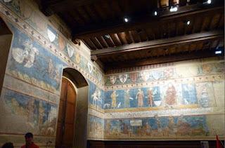 Palazzo del Popolo o Podestá, Museo Cívico-Sala di Dante.