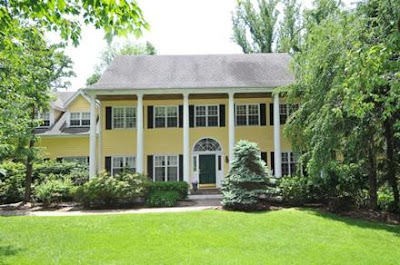 http://www.houlihanlawrence.com/real-estate-agent/AntoinetteDeRose/property-detail/3313415/7-Stony-Hollow-Chappaqua-NY-10514