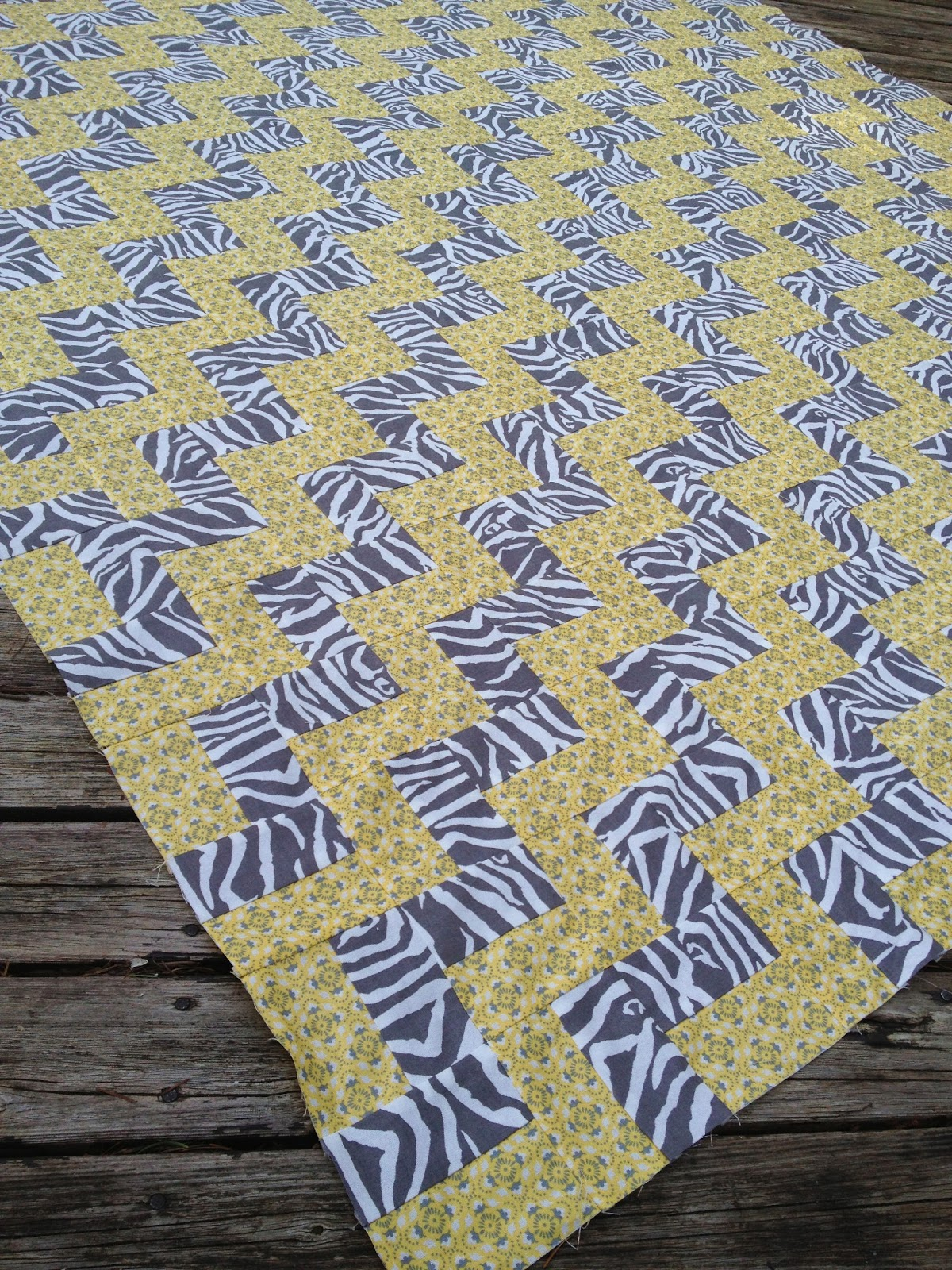 Schnitzel & Boo: Tutorial: Step-Up Zig Zag Quilt