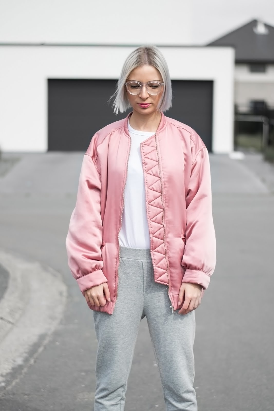 Mango pink oversized bomber jacket, Asos white longsleeve, Mango grey sweat pants, joggers, polette glasses
