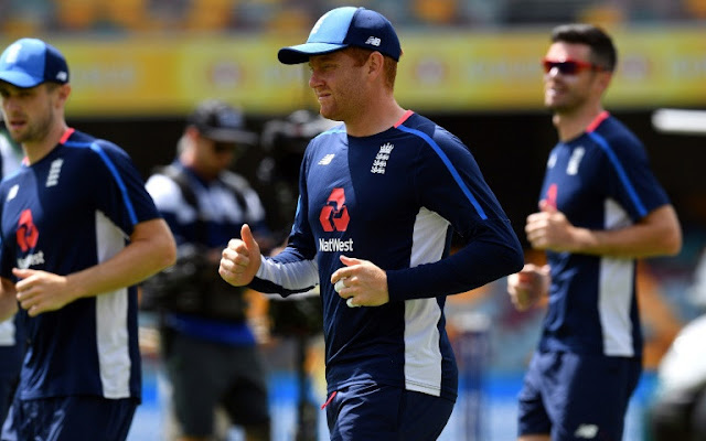 Curfew as Strauss says England players