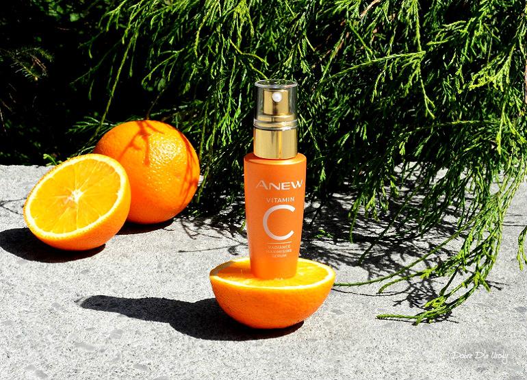 Rozświetlająco-odmładzające serum do twarzy z 10% witaminą C Avon Anew Recenzja